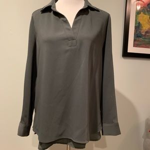 Tops - Gray mid weight tunic with black trim on collar